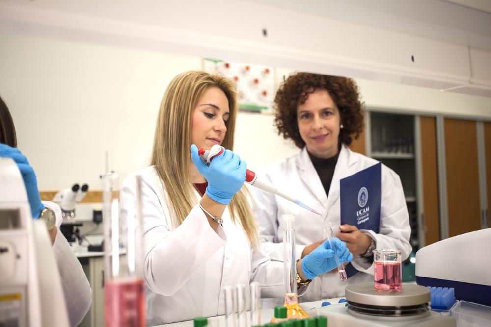 20150415_cartagena_salas_laboratorios_0042.jpg