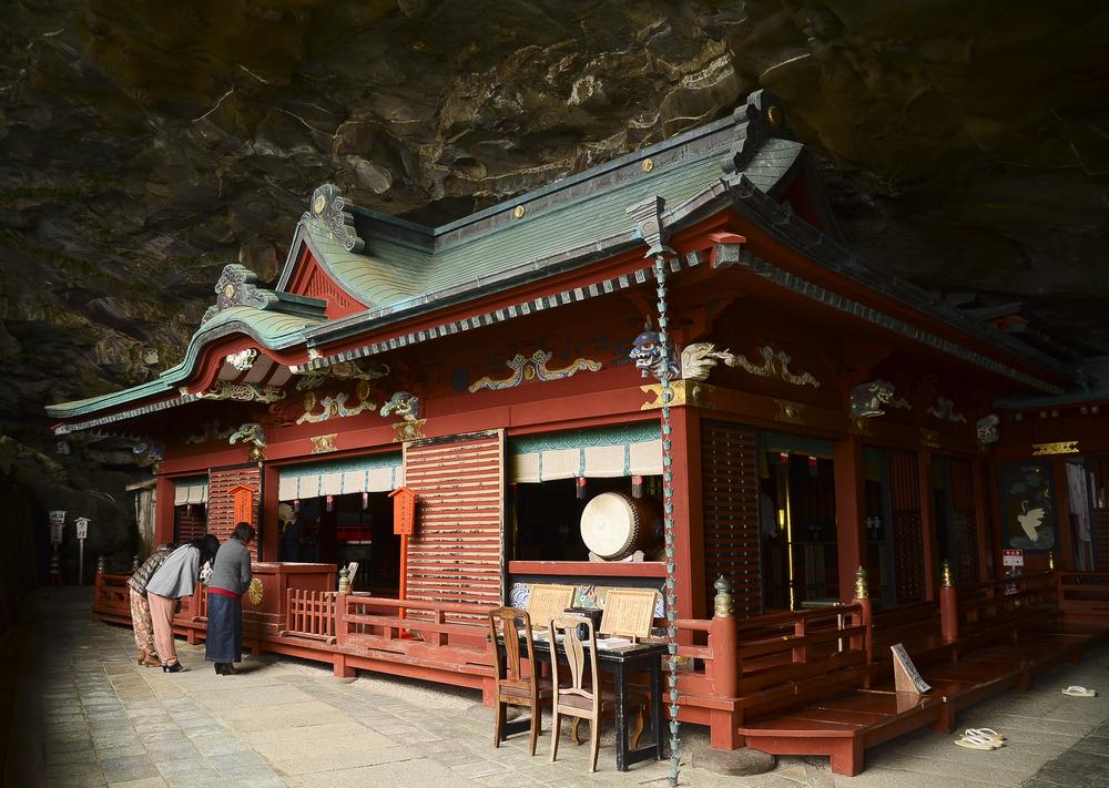 miyazaki-temple.jpg