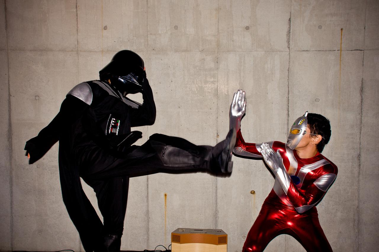 Enter Ultraman to defend his dear Nausicaa's honor… Darth Vadar vs Ultraman epic duel!