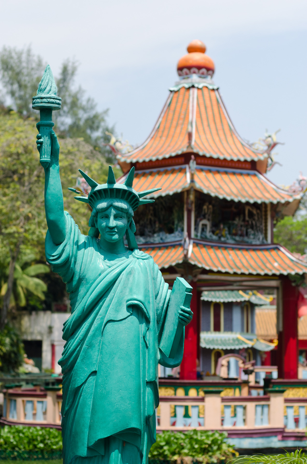 Apparently even Lady Liberty makes an appearance in Chinese Mythology.