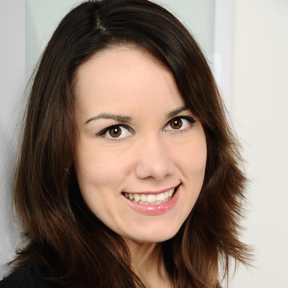 Manuela Bartonek  LOAN CLOSER