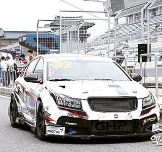#chevy #chevrolet #cruze #custom #racetrack #racing #aftermarket #korea #j5suspension #madeinkorea #chevycruze #trackday #track #sponsored