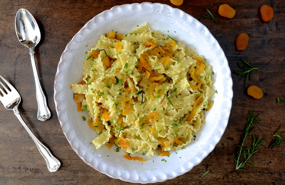 L'Autunno Pasta with Garlic, White Wine, Rosemary & Apricots