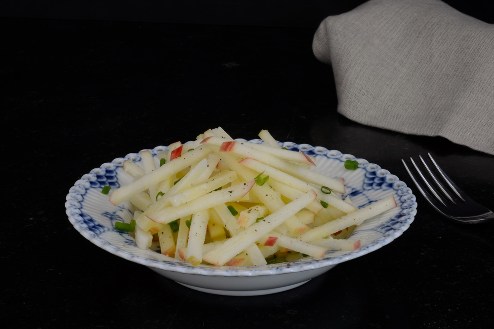 Honeycrisp & Manchego Salad