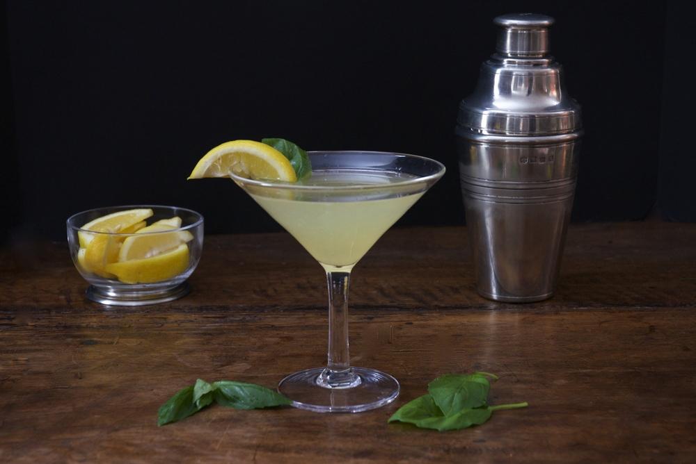 Sparkling Basil Lemon Gimlet
