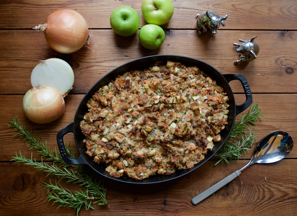 MAPLE SAUSAGE, CARAMELIZED ONION & APPLE DRESSING