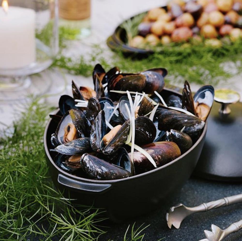 Weston Table Normandy Mussel Pot with Cider, Leeks & Crème Fraîche