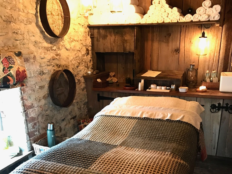 Spa & Wellness - Wander down winding pea stone paths, through the walled infusion garden, and find two Potting Sheds transformed into treatment rooms offering a range of Piggy massages.