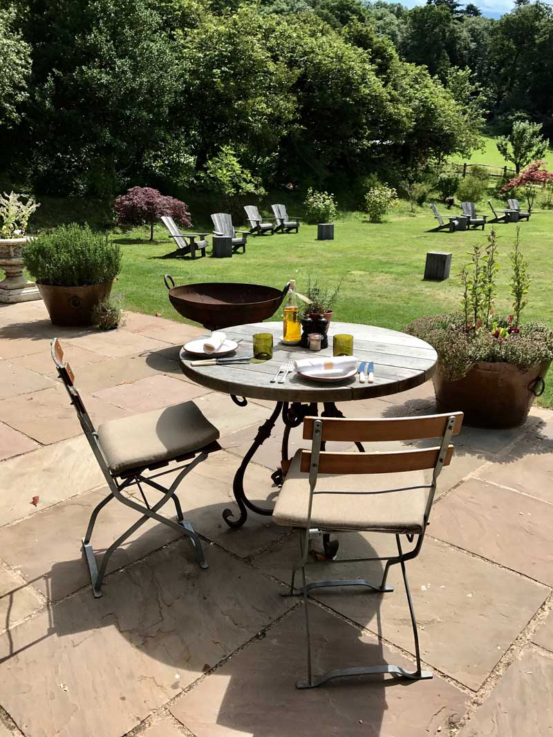 Pig_at_Combe_Patio_Table_Weston_Table.jpg