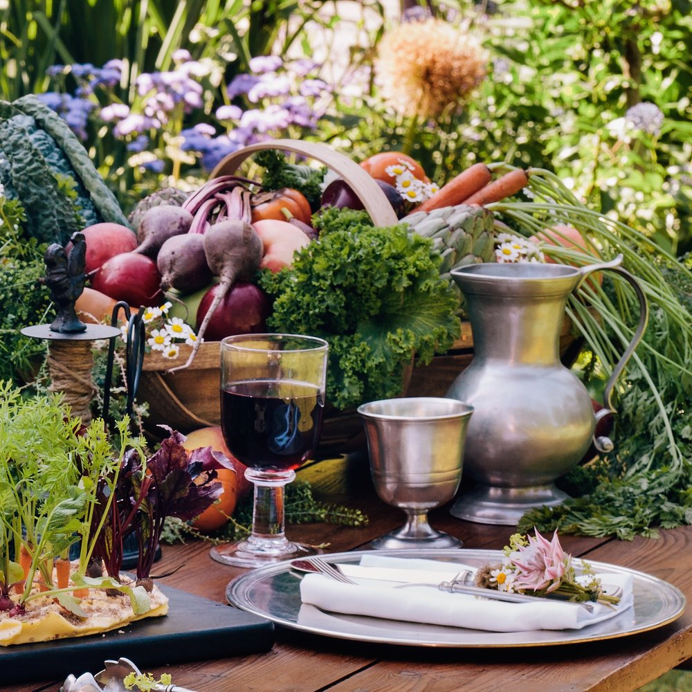 Simon_Pearce_Essex_Wine_Glass_Weston_Table.jpg