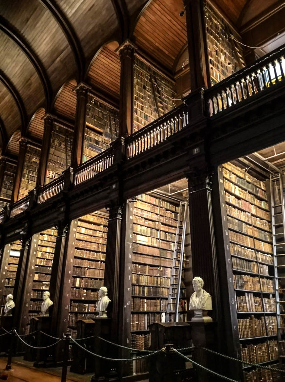 Trinity_Colleg_Library_Weston_Table.jpg
