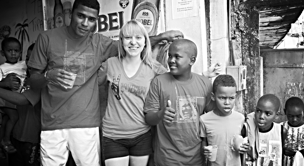 Kids in Ro ça da Sabina in Salvador, Bahia, Brazil, with their new Magdalena Concepts tees.