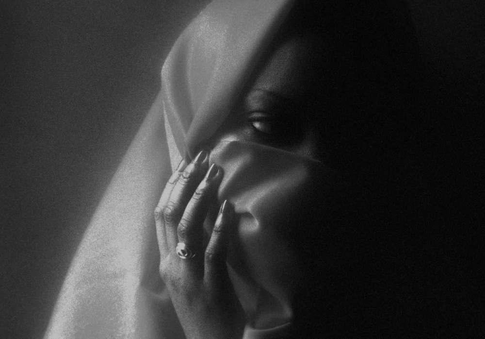 ashanti veil bw.jpg