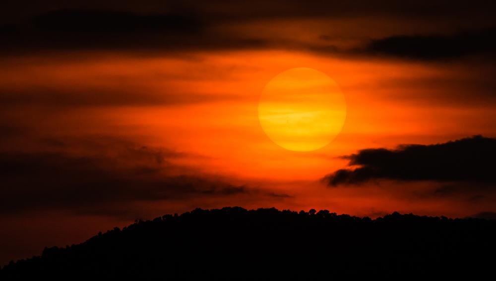 _16 Shadow Sunset Lanhkawi.jpg
