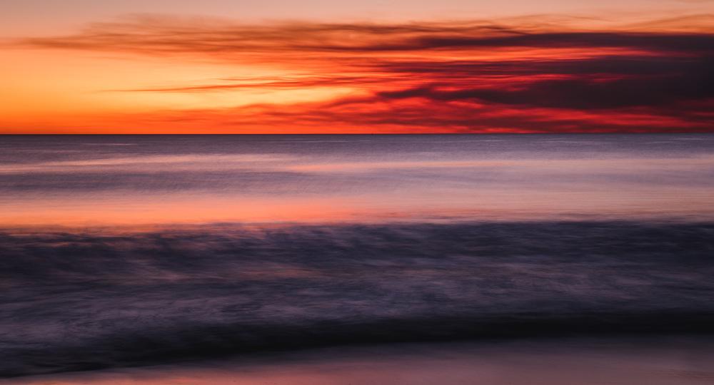 _19 Smoky Sunset over Ocean Perth.jpg