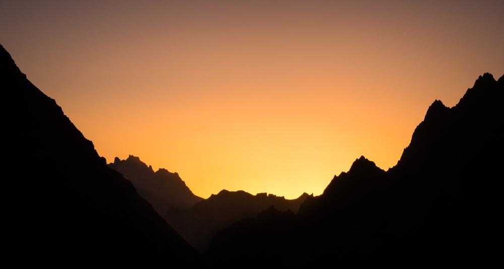 _18 Ladakh Mountains sunset.jpg