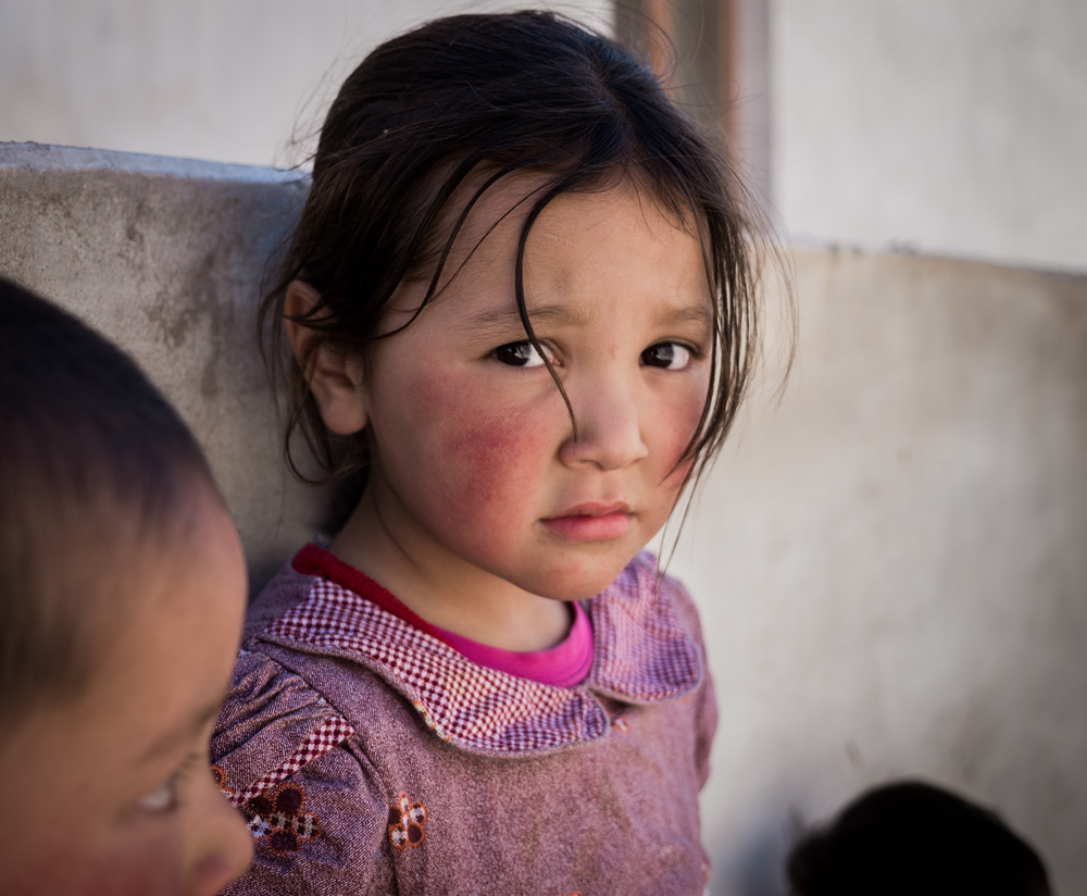 _7 Young Girl Portrait on the streets of Leh.jpg