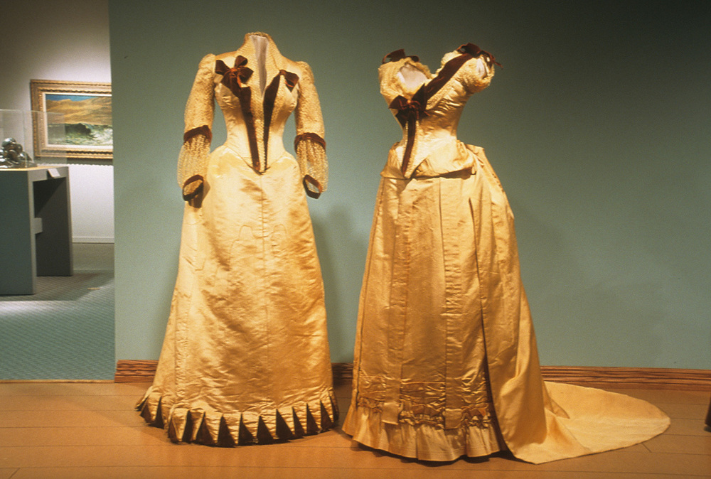 Dress Martha conserved (left)
