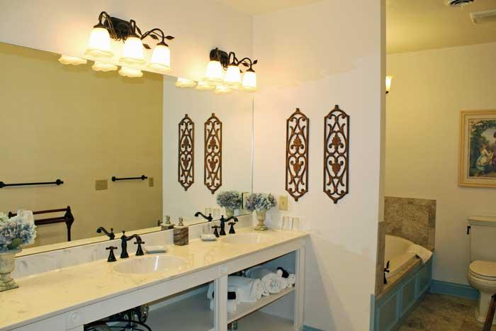 Annas_bathroom.jpg