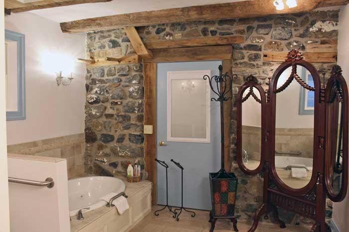 Tack_bathroom.jpg