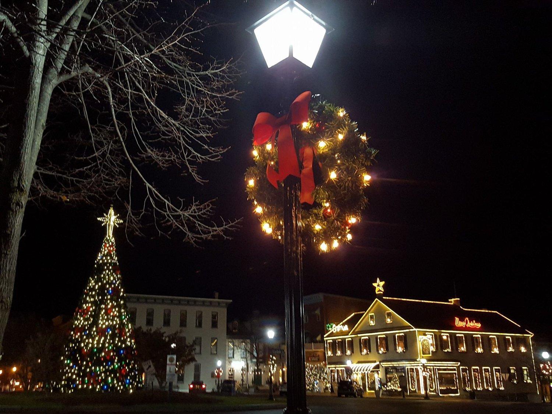 Gettysburg Christmas Tree Lighting 2021 A Gettysburg Christmas Festival Battlefield Bed And Breakfast Inn