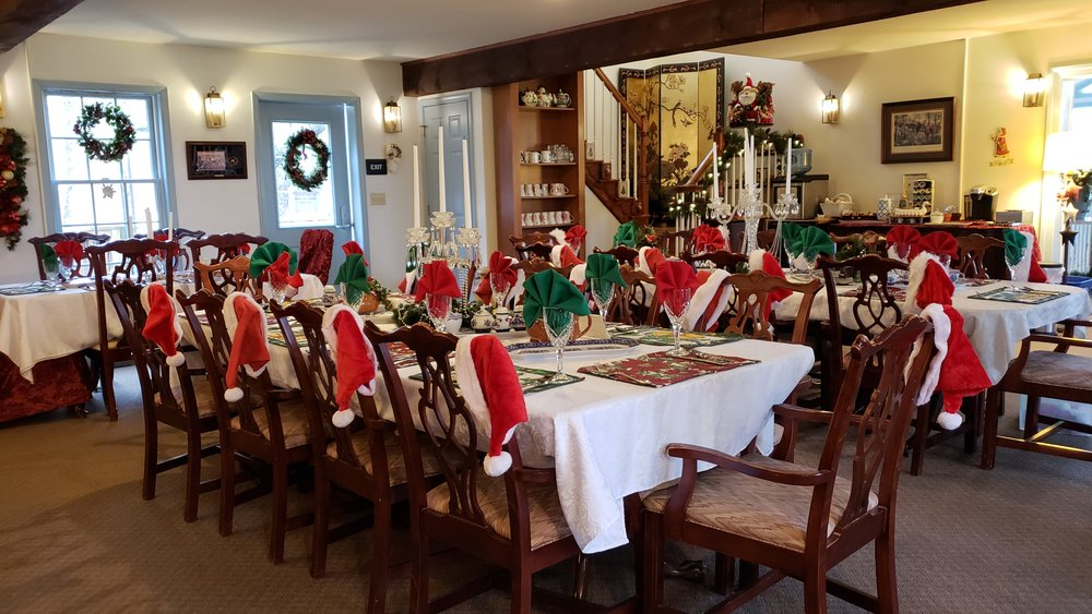 Gettysburg's Battlefield Bed & Breakfast is filled with holiday spirit. The breakfast room decor has Santa hats for our guests.