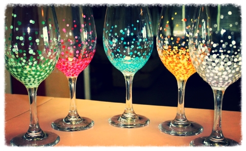 Az hops and vines wine glass painting party arte bella for Type of paint to use on wine glasses