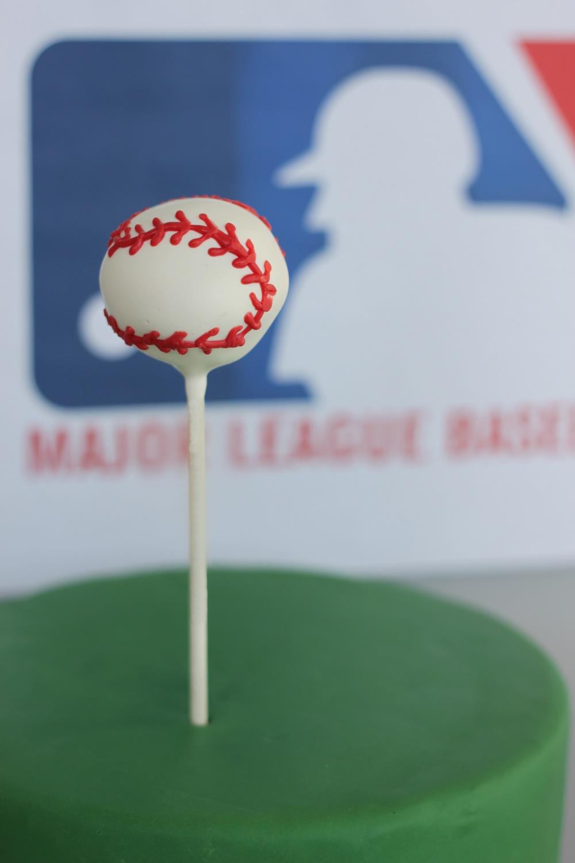 Baseball cake pop 9545.jpg