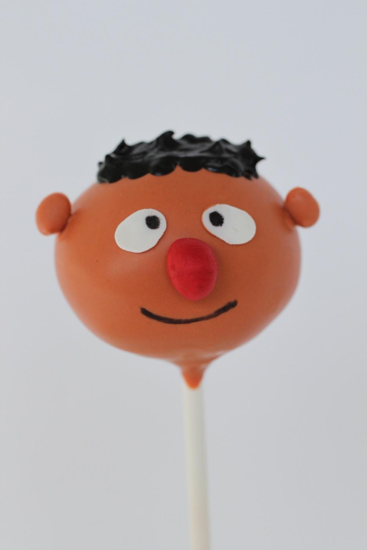 Ernie cake pop 9129 (1).jpg