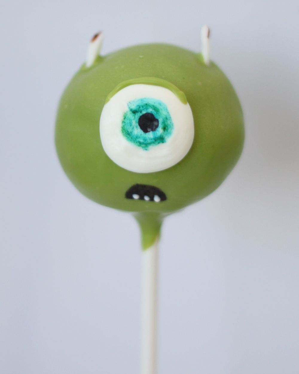 mike monsters inc cake pop v1.jpg