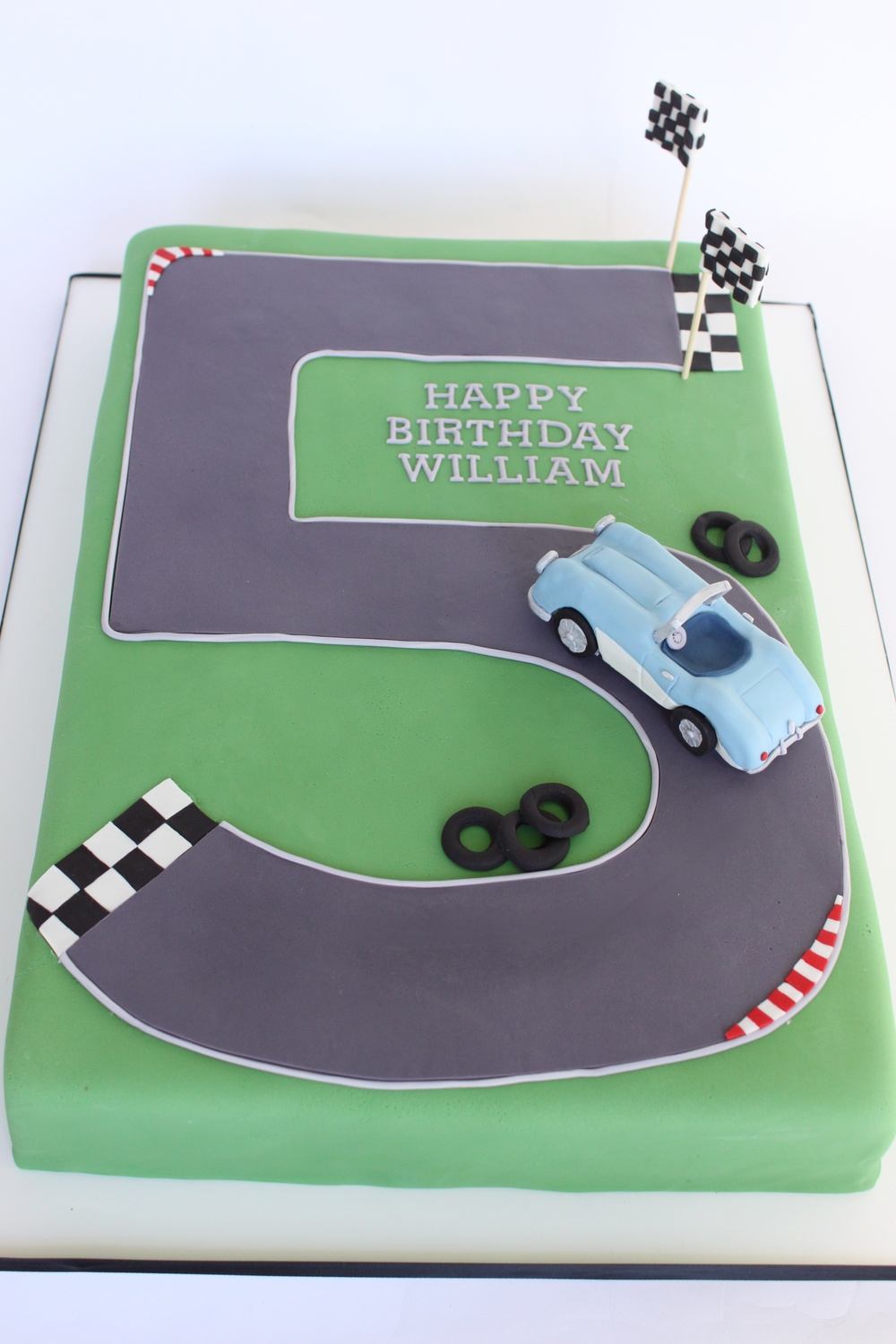Austin Healey Birthday cake 7738.jpg