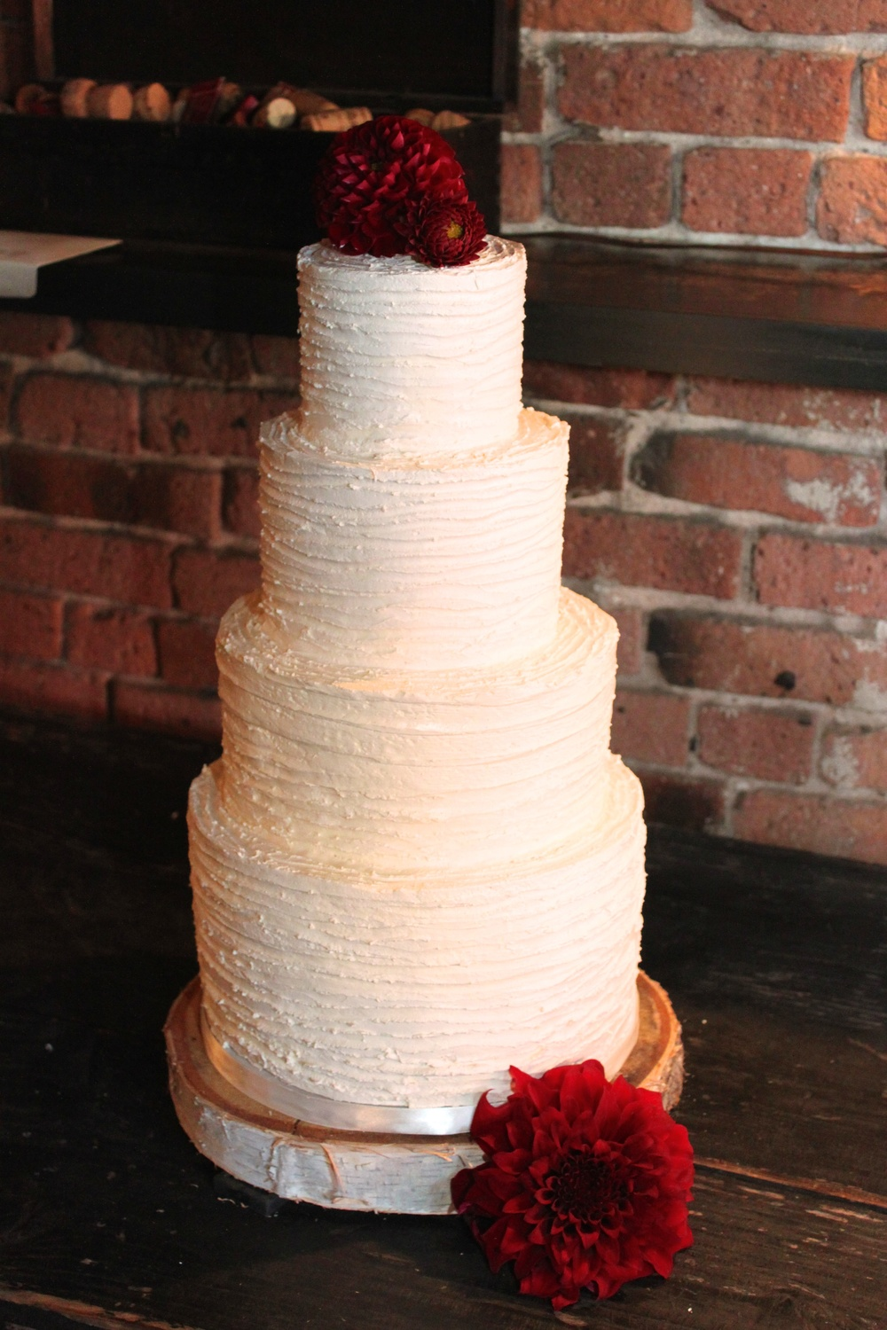 Ridged buttercream wedding cake 7755.jpg
