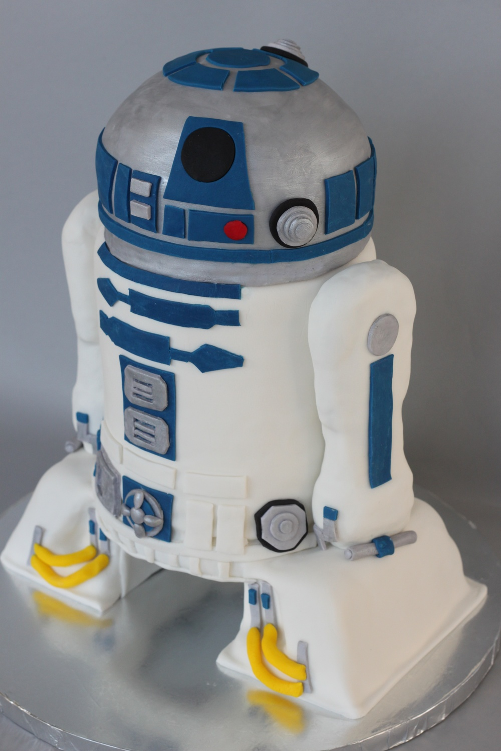 R2D2 Sculpted 6900.jpg