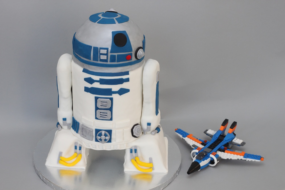 R2D2 Sculpted scale 6919.jpg