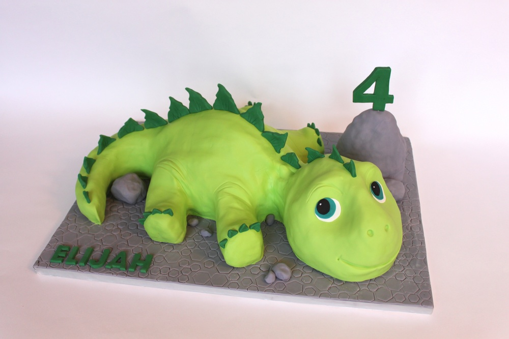 Dinosaur Kids Cake wide 8511.jpg