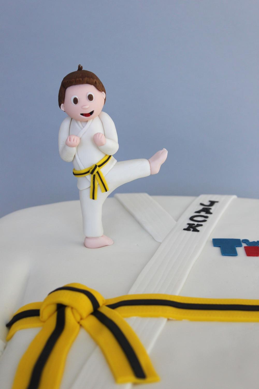 Tae kwon do cake topper 7628.jpg