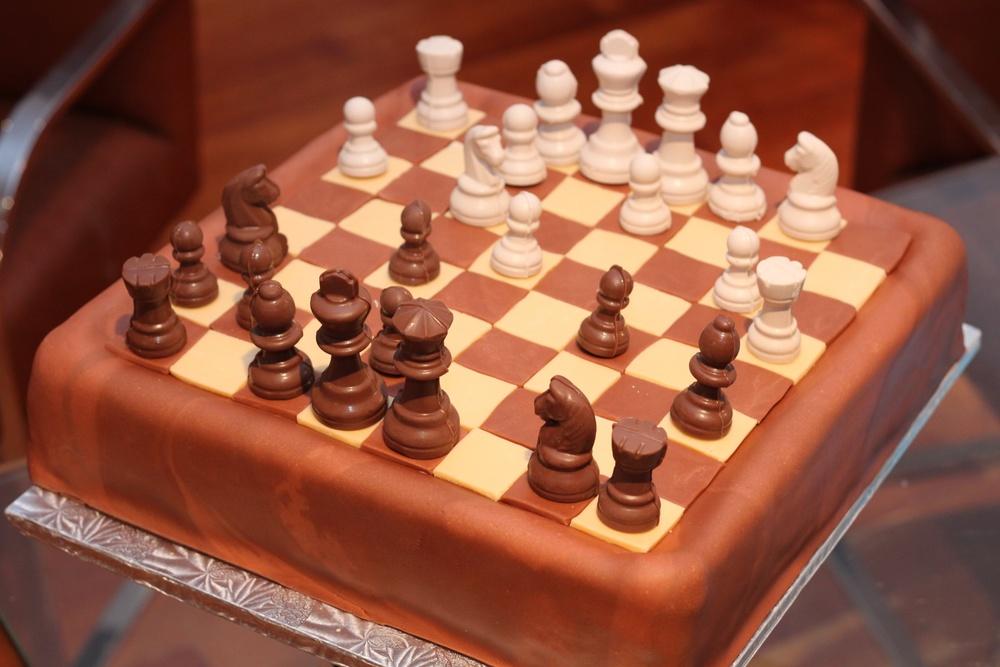Chessboard cake v2 5631.jpg