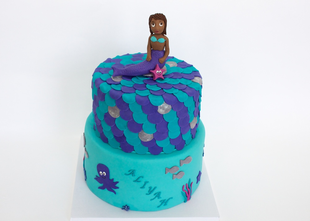 Mermaid cake horiz 7948.jpg