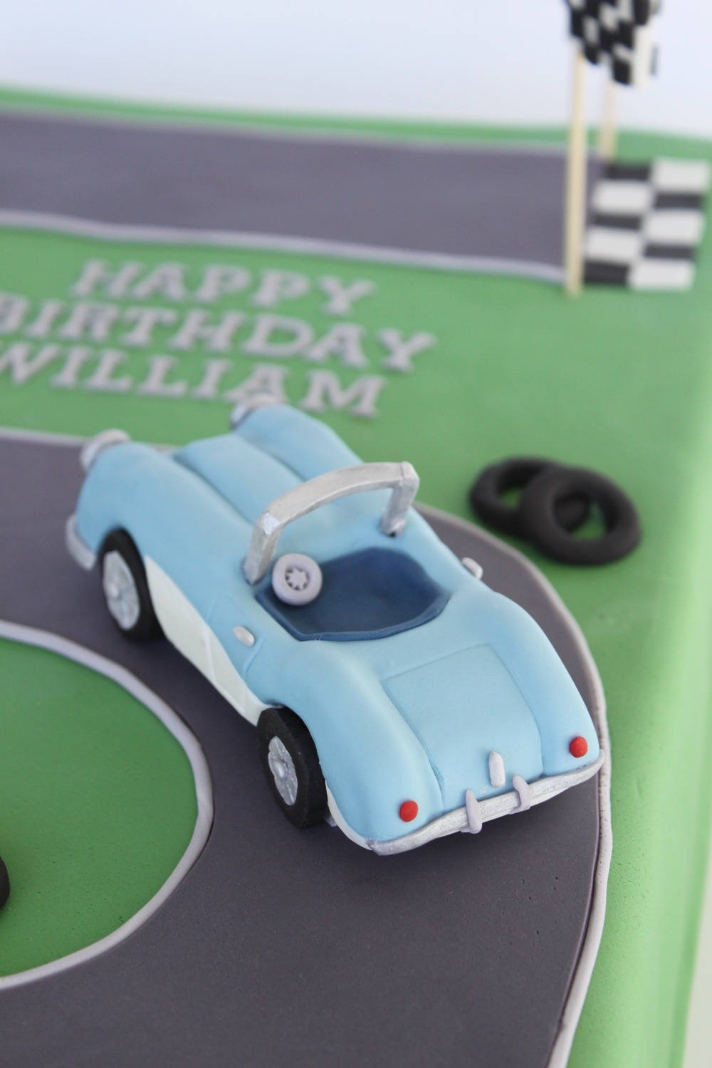 Austin Healey Birthday topper close 7730.jpg