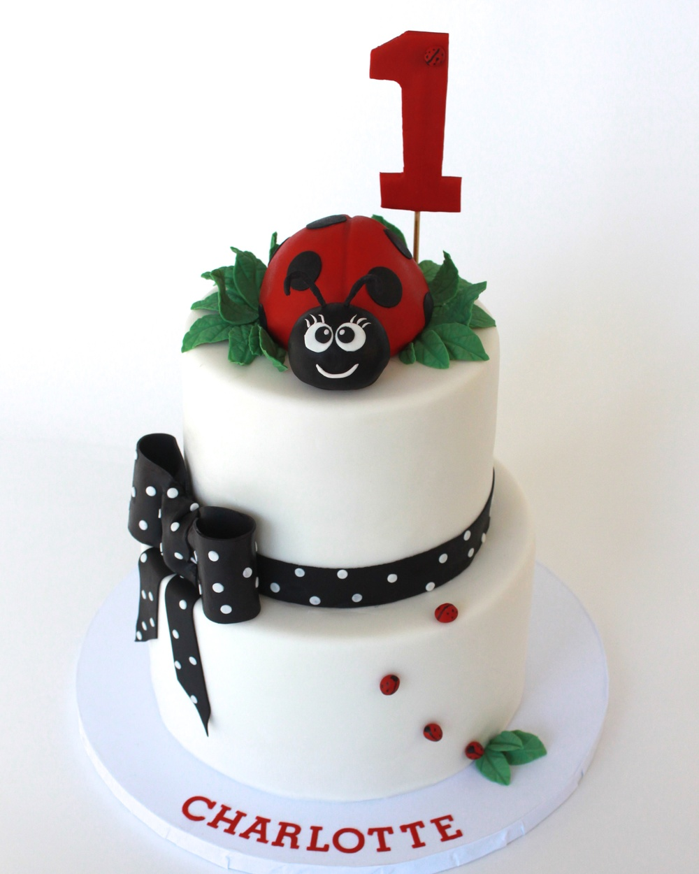 ladybug cake 133.jpg