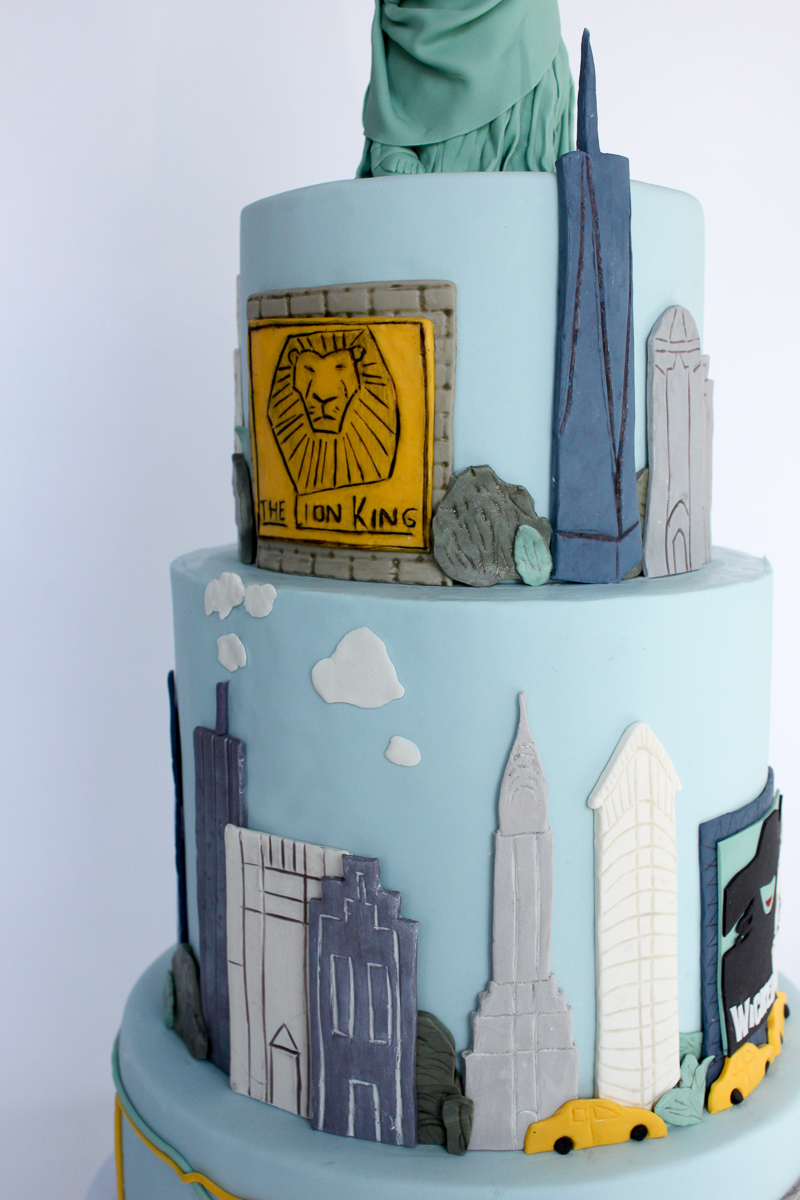 NYC Skyline Statue of Liberty Cake_029.jpg