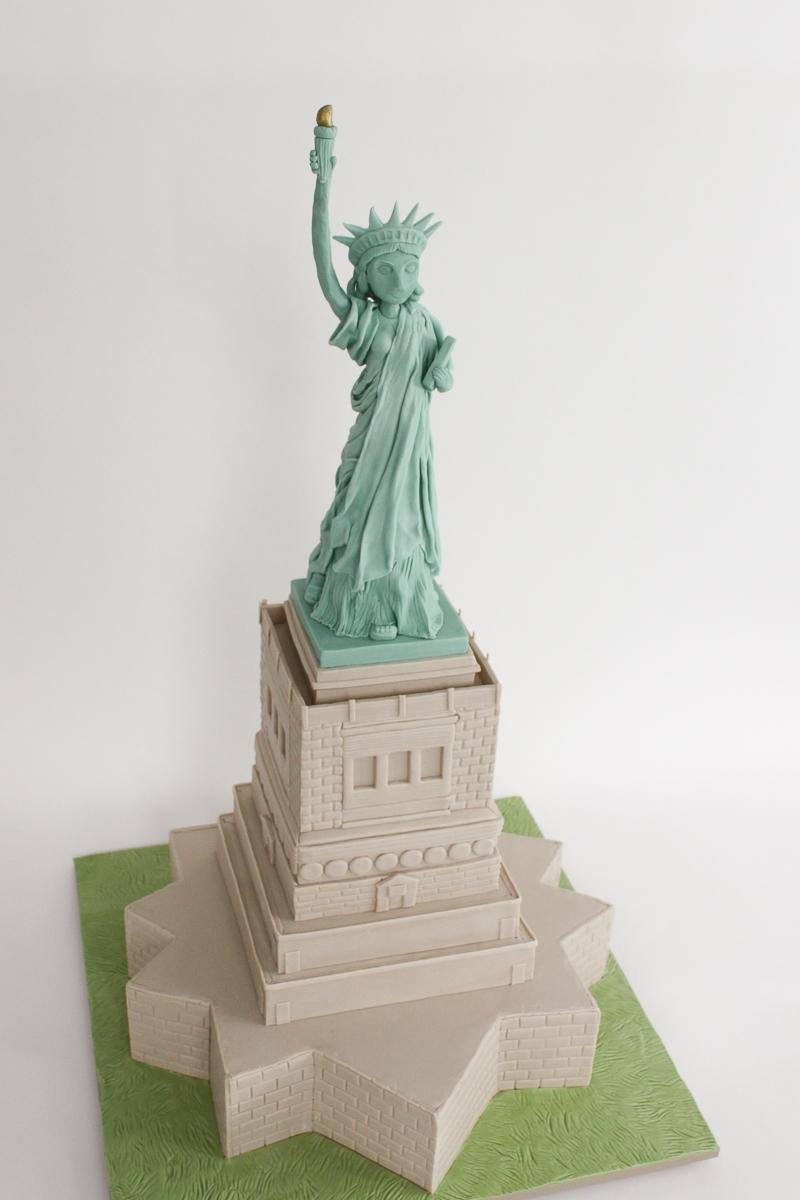 Statue of Liberty Cake_023-2.jpg