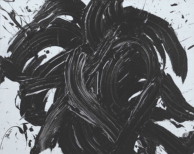 Chaos is beauty disguised.  Chaos breeds courage. You can learn endless things from good art. By Kazuo Shiraga #everythingisinspiring #actionpainting #splatterpaint #KazuoShiraga #bnw #depth #Chaosbreedscourage #visualart #artgrind #arted