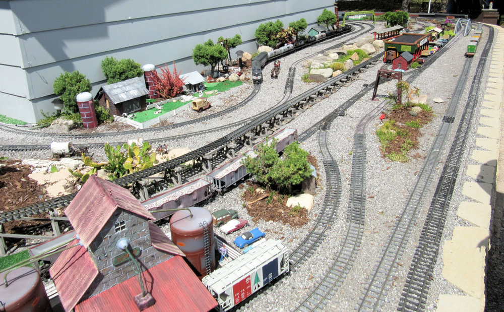 Genesee Shortline Railroad GRR Layout (8).JPG
