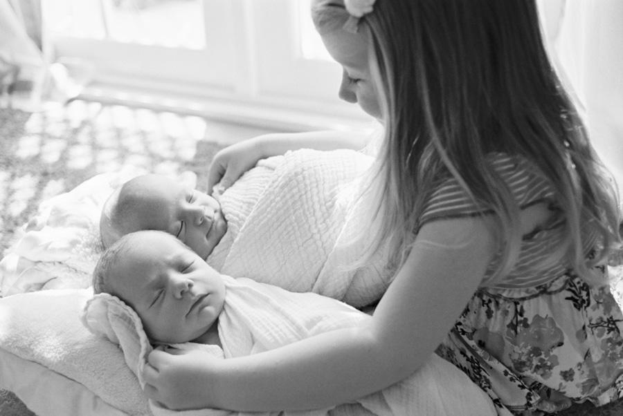 los angeles newborn photographer_newborn twins_8