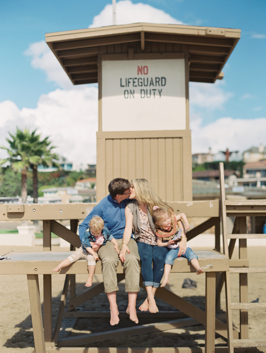 orange-county-family-photographer-victoria-oleary-day-at-the-beach-03.jpg