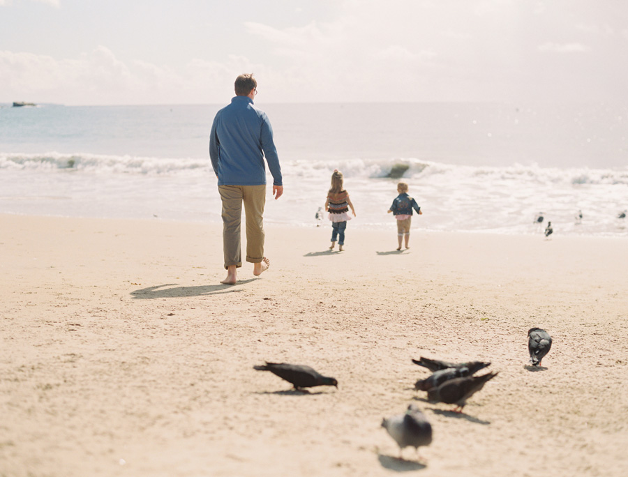 orange-county-family-photographer-victoria-oleary-day-at-the-beach-07a.jpg