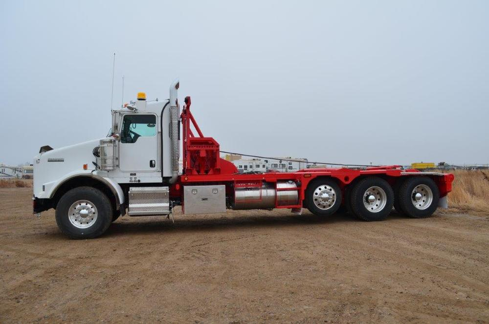 2012 Kenworth T800, Two Winches