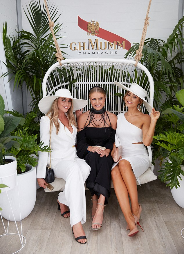 ELYSE KNOWLES DERBY DAY 2016 3.jpg