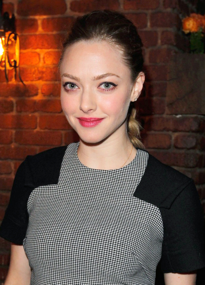 201304_AMANDASEYFRIED_ALLURECOVERPARTY_MB_01.jpg